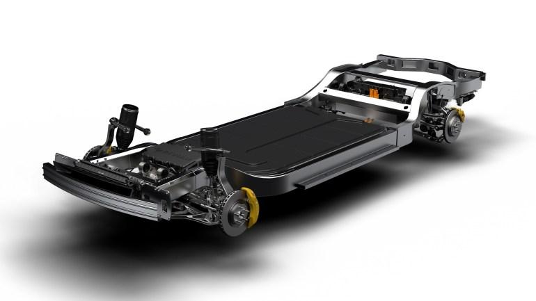 Создатели электрического пикапа Rivian R1T представили электрокроссовер Rivian R1S с теми же характеристиками и ценником от $72,500