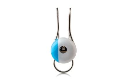 L'Oreal создала носимое устройство для отслеживания ультрафиолетового излучения, загрязнения и пыльцы в воздухе