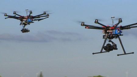 DARPA научило стаю дронов выполнять задания без связи и GPS