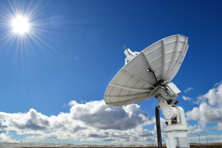 Amazon представила AWS Ground Station — коммерческий сервис обмена данными со спутниками