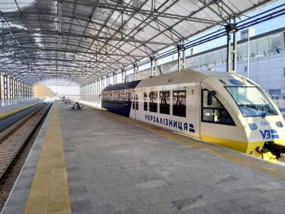 «Укрзалізниця» хвастается, что ее экспресс Kyiv Boryspil Express уже перевез почти 20 тыс. пассажиров на 600+ рейсов. Но это меньше $100 выручки на один рейс
