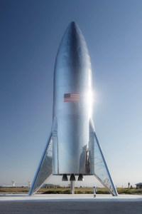 Маск показал готовый экспериментальный космический корабль SpaceX Starship. Его первый «прыжок» состоится в ближайшие два месяца