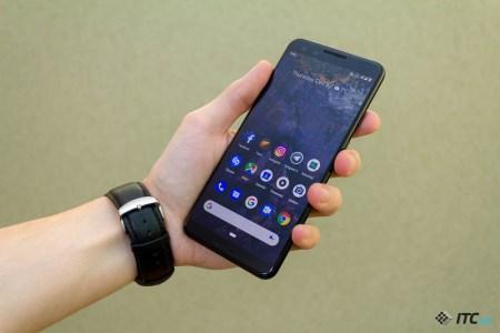 Патентные изображения показывают, как может выглядеть смартфон Google Pixel 4 — одинаково узкие рамки по всему периметру дисплея и всего один модуль в основной камере