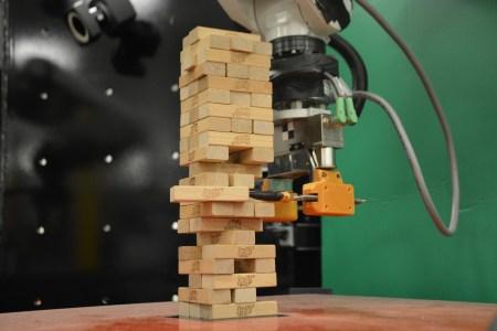 Американские инженеры обучили робота игре в дженгу