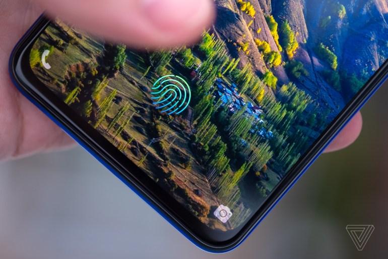 Анонсирован смартфон Vivo V15 Pro – первая модель на базе SoC Snapdragon 675, оснащённая безрамочным дисплеем без выреза и выдвижной селфи-камерой