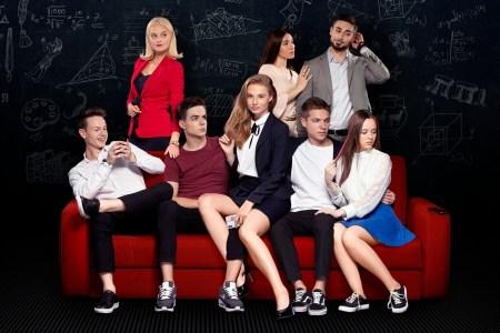 «1+1 media» запустила платный доступ к допремьерному показу сериала «#ШКОЛА», за просмотр новых серий раньше телеэфира придется отдать 49 грн
