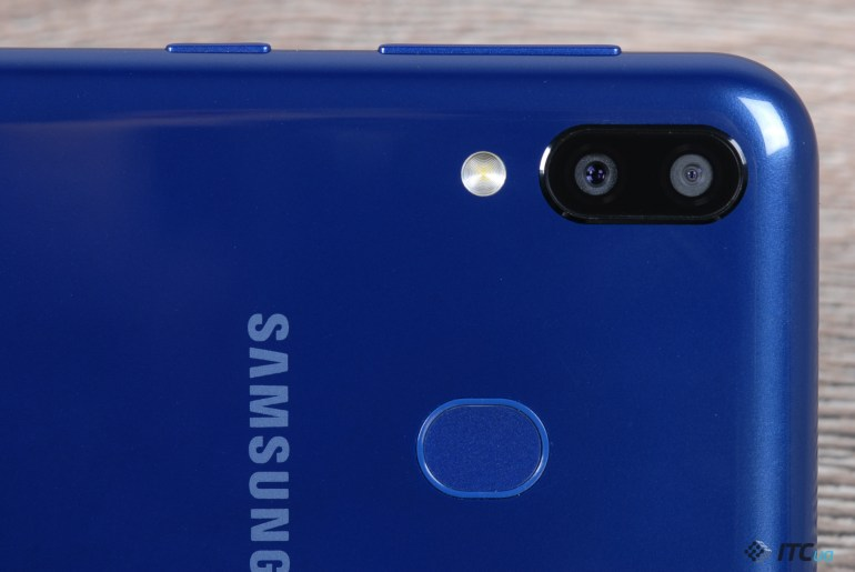 Обзор Samsung Galaxy M20