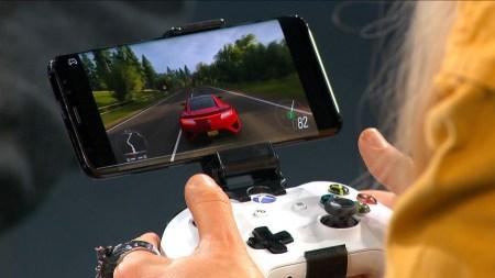 Microsoft провел публичную демонстрацию игрового стримингового сервиса Project xCloud на примере Forza Horizon 4, Android-смартфона и геймпада Xbox One [видео]