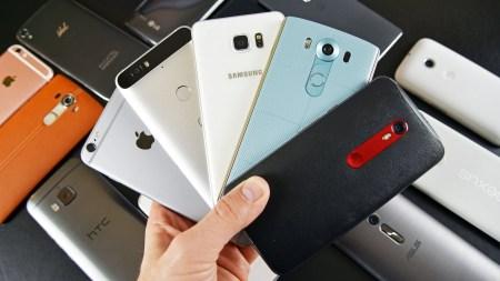 GfK Ukraine: В 2018 году украинцы потратили 30 млрд гривен на мобильные телефоны, ежедневно приобреталось 15 тыс. смартфонов и 4 тыс. кнопочных телефонов [инфографика]