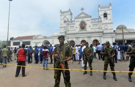Власти Шри-Ланки разблокировали доступ к социальным сетям и мессенджерам