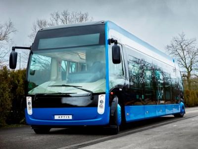 Париж заказал 800 электробусов за 400 млн евро, чтобы заменить старые дизельные автобусы на маршрутах общественного транспорта