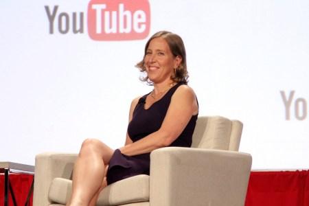 Ежемесячная аудитория видеохостинга YouTube достигла 2 млрд пользователей