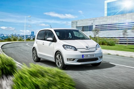 Серийный электромобиль Skoda Citigo-e iV представлен официально: мощность 61 кВт, батарея 36,8 кВтч, запас хода 265 км (WLTP) и цена «заметно ниже» 20 тыс. евро