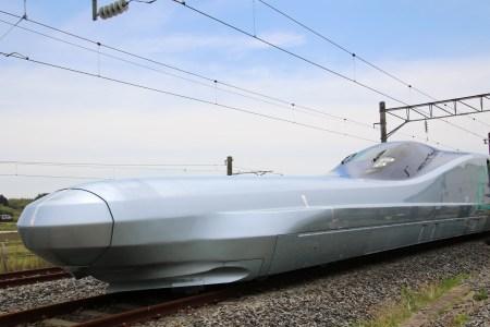 В Японии началось тестирование нового поезда-пули Alfa-X, способного разгоняться до 400 км/ч