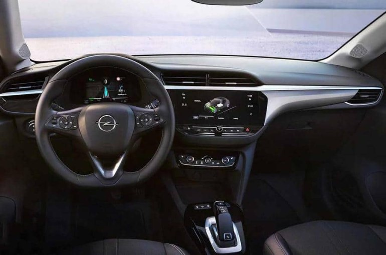Официальные изображения электромобиля Opel eCorsa попали в сеть за месяц до анонса, скорее всего он получит мощность 100 кВт и батарею на 50 кВтч
