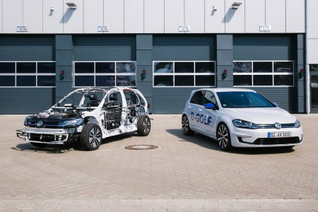 Volkswagen представил шоукар eGon, который позволяет на практике оценить технологичность электромобилей компании
