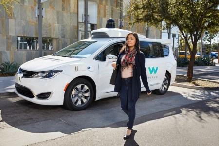 Американские пользователи такси-сервиса Lyft теперь могут вызывать беспилотники Waymo
