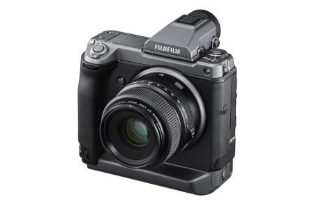 Среднеформатная беззеркальная камера Fujifilm GFX100 получила 102-мегапиксельный сенсор и цену $10 тыс.
