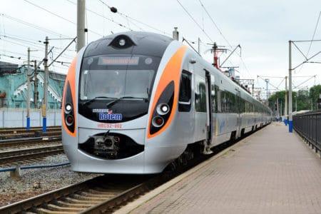 """""""Укрзалізниця"""" разрешила провозить велосипеды в скоростных поездах Интерсити (но есть нюансы) - ITC.ua"""