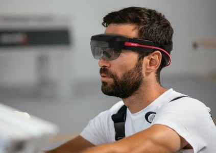 ThinkReality A6 — ответ Lenovo на гарнитуру дополненной реальности Microsoft HoloLens