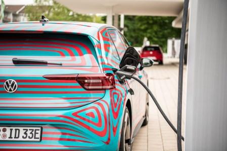 Volkswagen гарантирует, что батареи электромобилей VW ID. выдержат 8 лет или 160 тыс. пробега, сохранив не менее 70% емкости