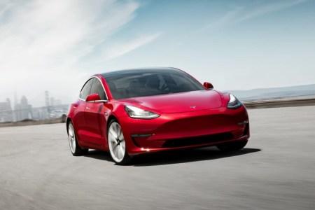 CNBC: Tesla тайком разрабатывает собственные аккумуляторы для уменьшения зависимости от Panasonic