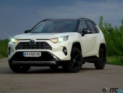 Тест-драйв Toyota RAV4 Hybrid: новый бестселлер