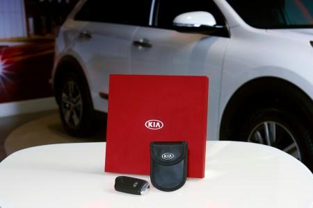 Kia выпустил миниатюрную клетку Фарадея для защиты брелоков бесключевого доступа к автомобилю от угонщиков