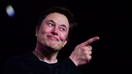 Tesla отчиталась, что ее электрокары горят в 9 раз реже других автомобилей