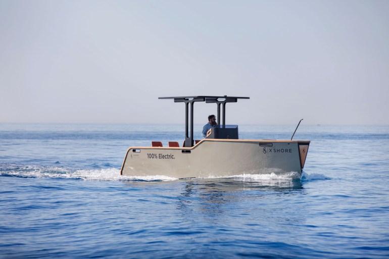 """Шведский стартап X Shore представил электролодку Eelex 8000, которую окрестил """"водоплавающей Tesla"""""""