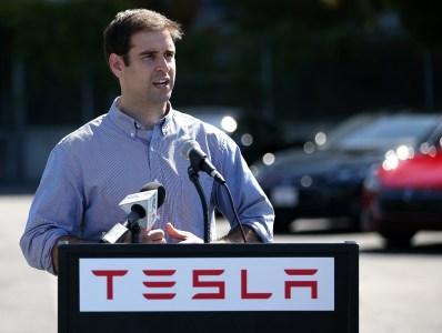Tesla покидает сооснователь и главный технический директор Джефф Штробель