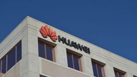 Huawei существенно снизила прогноз по убыткам от санкций США, но аналитики считают, что без Google китайской компании не продержаться на западном рынке