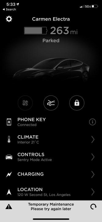Из-за сбоя в приложении Tesla некоторые водители не могли попасть в свои электрокары
