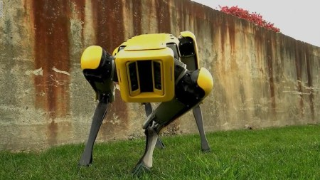 Робопёс SpotMini покидает лабораторию Boston Dynamics, а человекоподобный робот Atlas научился новым трюкам [Видео]
