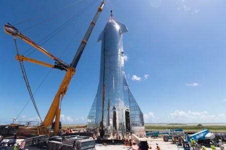 Фото дня: Прототип межпланетного корабля SpaceX Starship во всей красе