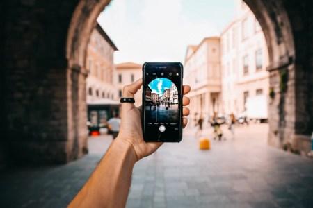 Samsung и Xiaomi смогли нарастить поставки смартфонов в Центральной и Восточной Европе из-за проблем у Huawei