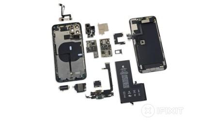 iFixit разобрали iPhone 11 Pro Max и нашли в нём дополнительный разъём батареи, более крупный аккумулятор и модем Intel