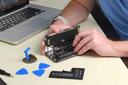 Apple будет выводить сервисное сообщение о неавторизованной замене дисплея в iPhone 11 (уведомление четыре дня будет закреплено на экране блокировки)