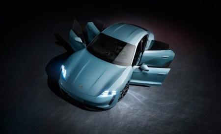 В Украине младший электросуперкар Porsche Taycan 4S начнет продаваться в начале 2020 года, цена — 2,64 млн грн
