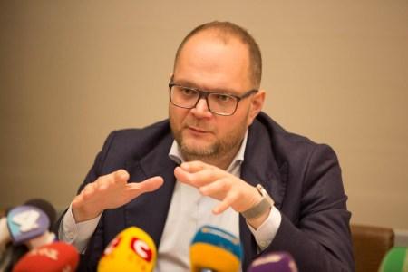 Министерство культуры хочет создать украинскую электронную библиотеку, а также преобразовать физические библиотеки в «хабы с книгами и доступом в интернет»