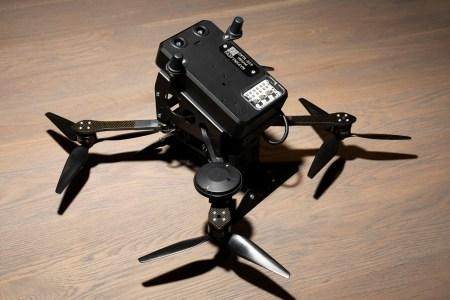 Стартап Anduril основателя Oculus Палмера Лаки представил таранный БПЛА Interceptor для уничтожения других беспилотников