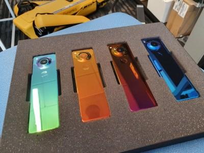 Project Gem. Создатель Android Энди Рубин показал смартфон нового типа (потенциальный Essential Phone 2) с очень вытянутым экраном 36:9