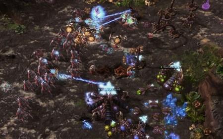 ИИ AlphaStar от DeepMind смог победить 99,8% игроков-людей в StarCraft II, достигнув уровня гроссмейстера