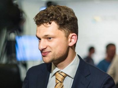 Дмитрий Дубилет хочет до конца года перевести в электронную форму документообмен между ВРУ и КМУ