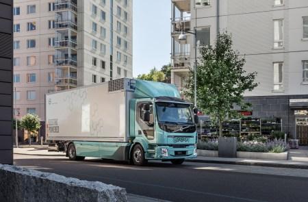 Volvo Trucks начала сбор предзаказов на электрогрузовики Volvo FL и Volvo FE в шести странах Европы