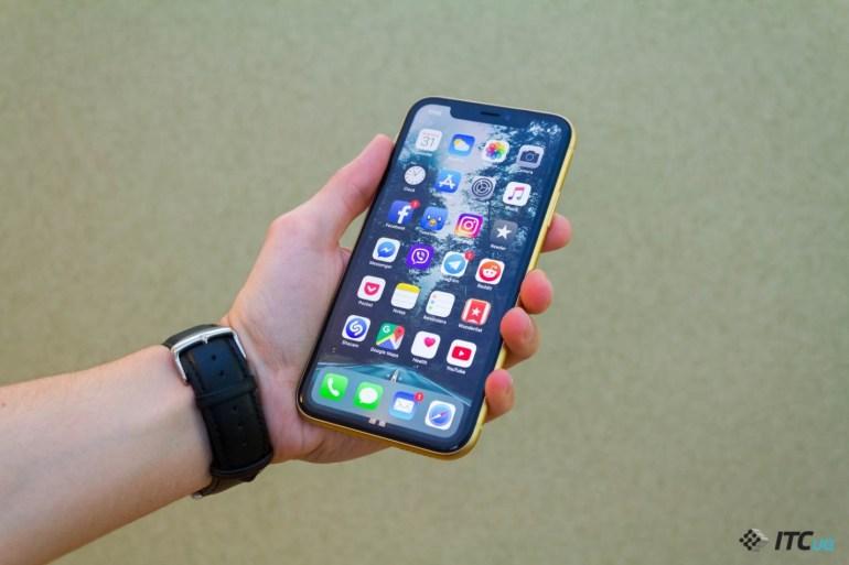 Черная пятница 2019: скидки на официальные смартфоны