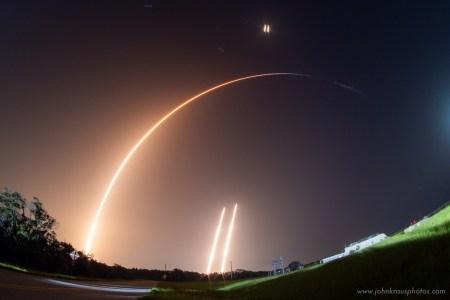 SpaceX запускает очередные 60 спутников Starlink: впервые с повторно использующимся обтекателем и в четвёртый раз использующейся ракетой Falcon 9