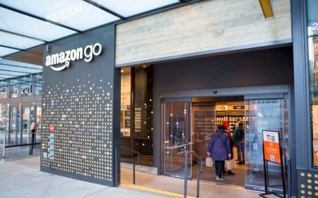 Amazon готовит к открытию первый робосупермаркет Go