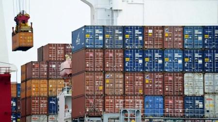 Закон о «параллельном импорте» подписан президентом