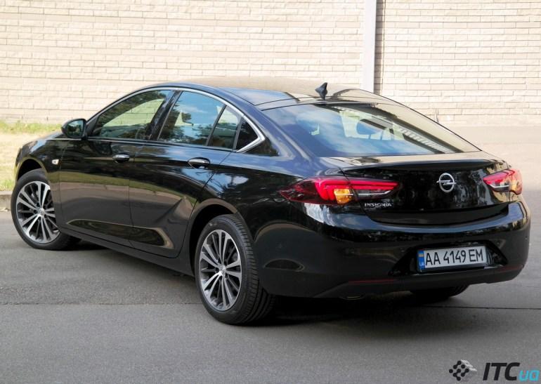 Тест-драйв Opel Insignia: Джокер на колесах